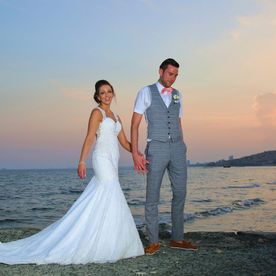 wedding photo on the beach
